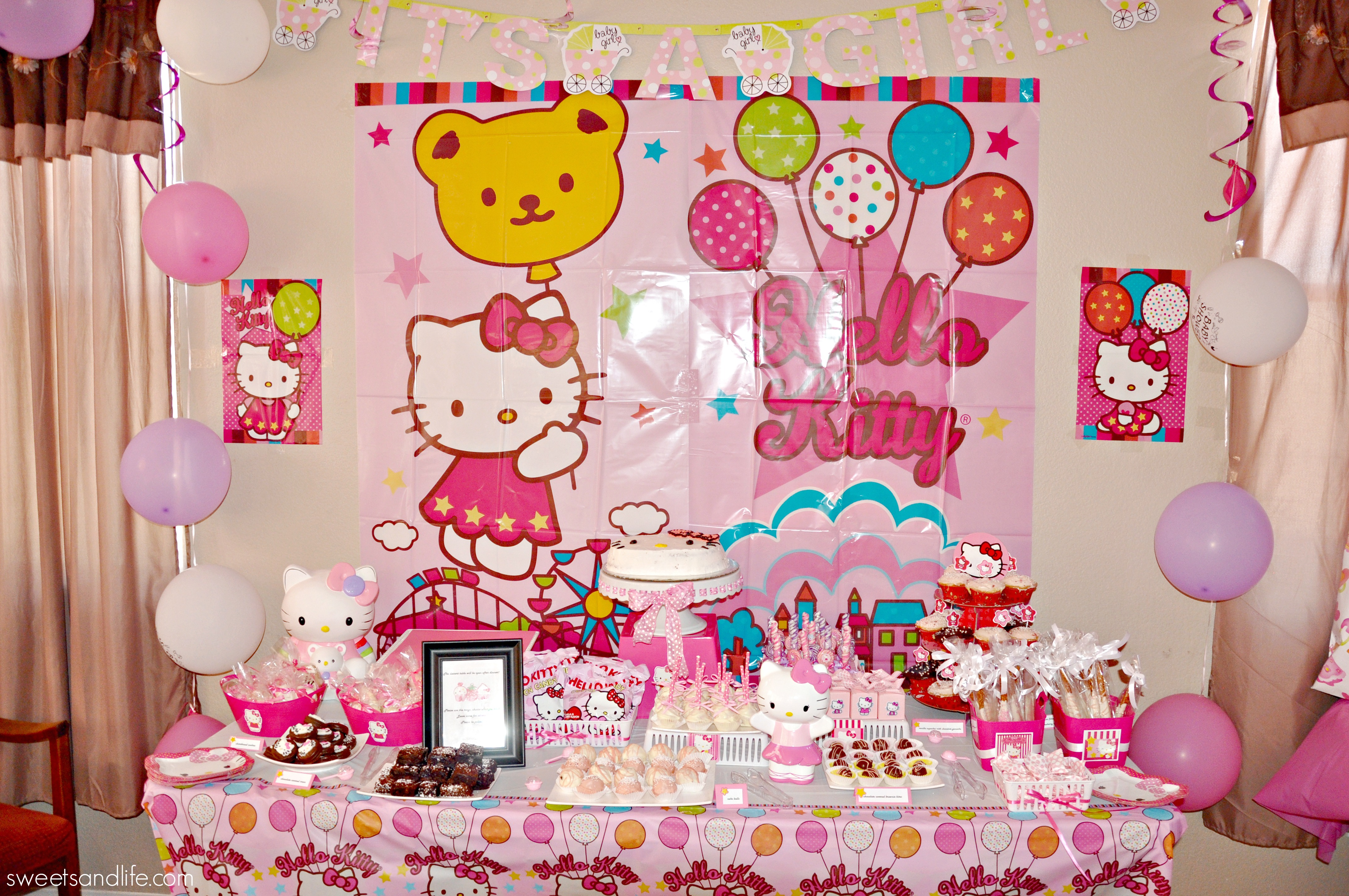 33 hello kitty birthday party ideas table decorating ideas. Black Bedroom Furniture Sets. Home Design Ideas