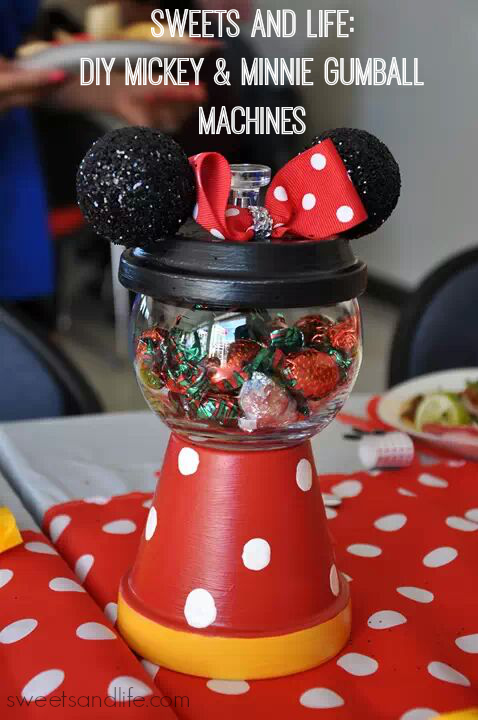 Sweets and Life: DIY MIckey & Minnie Gumball Machines