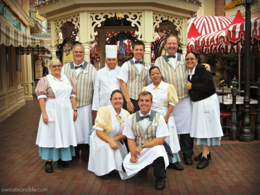 Sweets and Life: Carnation Cafe